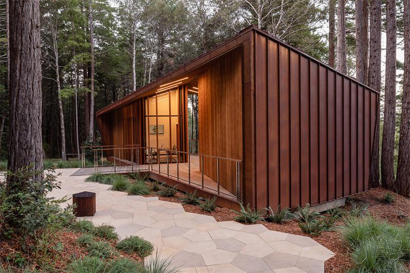 El cementerio sostenible de OpenScope Studio en California