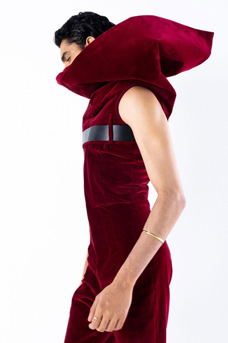 Arturo Obegero, un joven diseñador español de moda en París