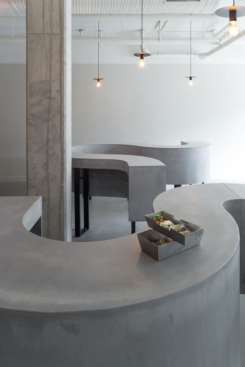 Interiorismo brutalista en un restaurante de Vancouver