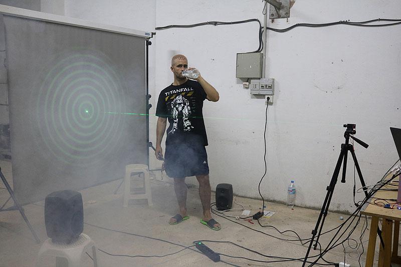 Entrevista al artista Carlos Sáez y su escombro tecnológico