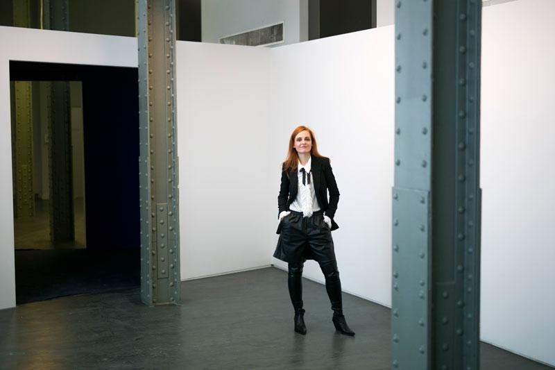 Ana Locking comisaria la expo FireTalkWithMe