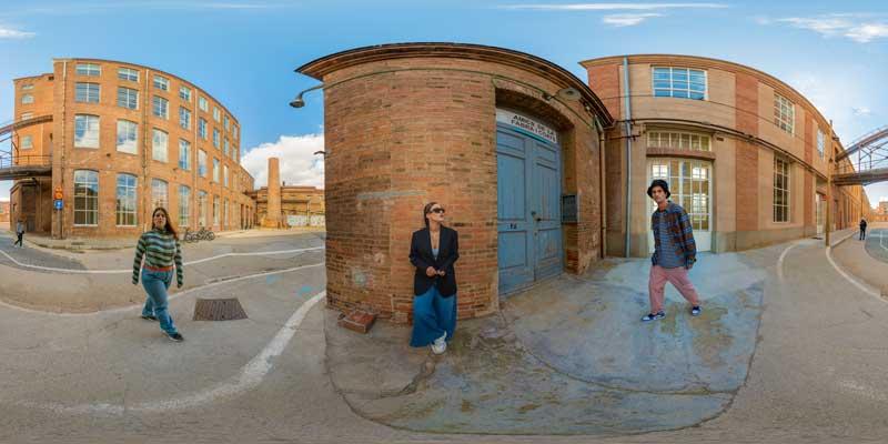 Marc Forné y Alba Miró en Google Street View de Zalando