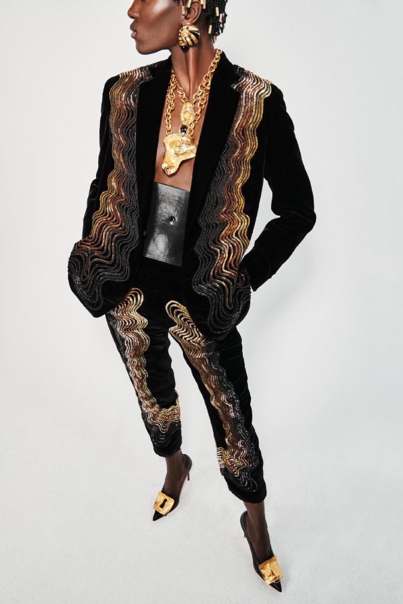 Schiaparelli FW21-22: obras de arte y anatomía femenina