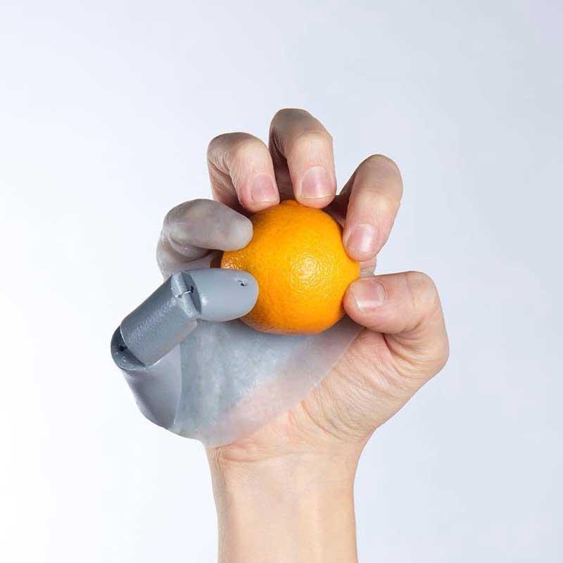 Seis dedos mejor que cinco o el futuro de los complementos