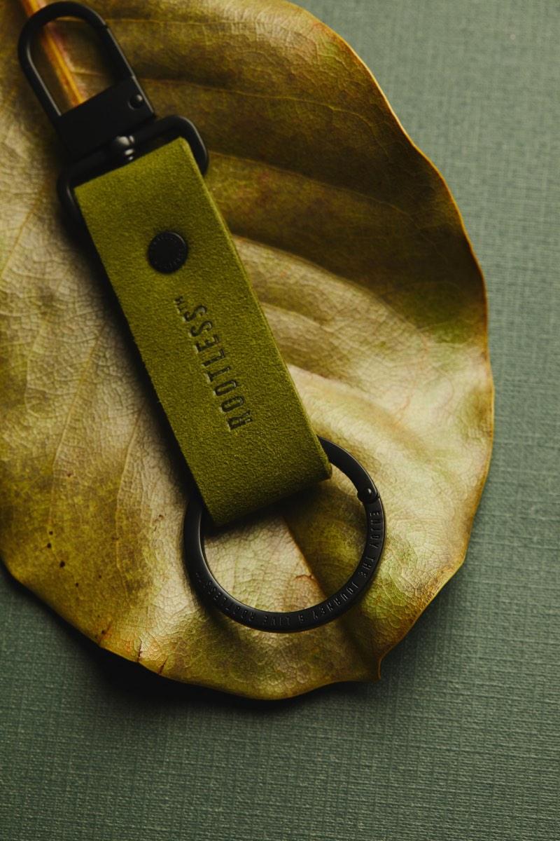 Accesorios personalizables Rootless: recuerdos de ayer