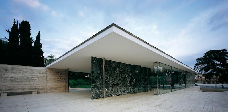 'Beautiful Failures' en el pabellón Mies van der Rohe