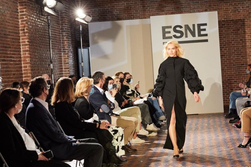 ESNE redefine el desnudo en la Semana de la Moda de Madrid