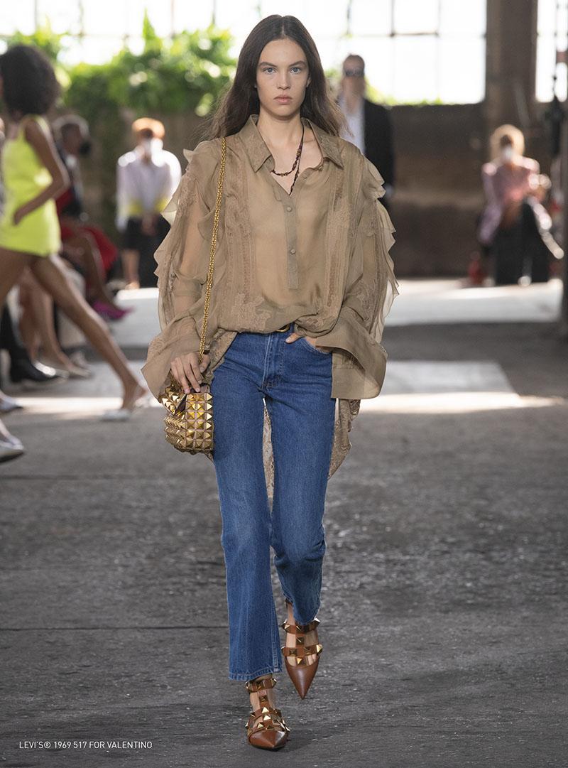 Los jeans de los 70's vuelven con Levi's x Valentino