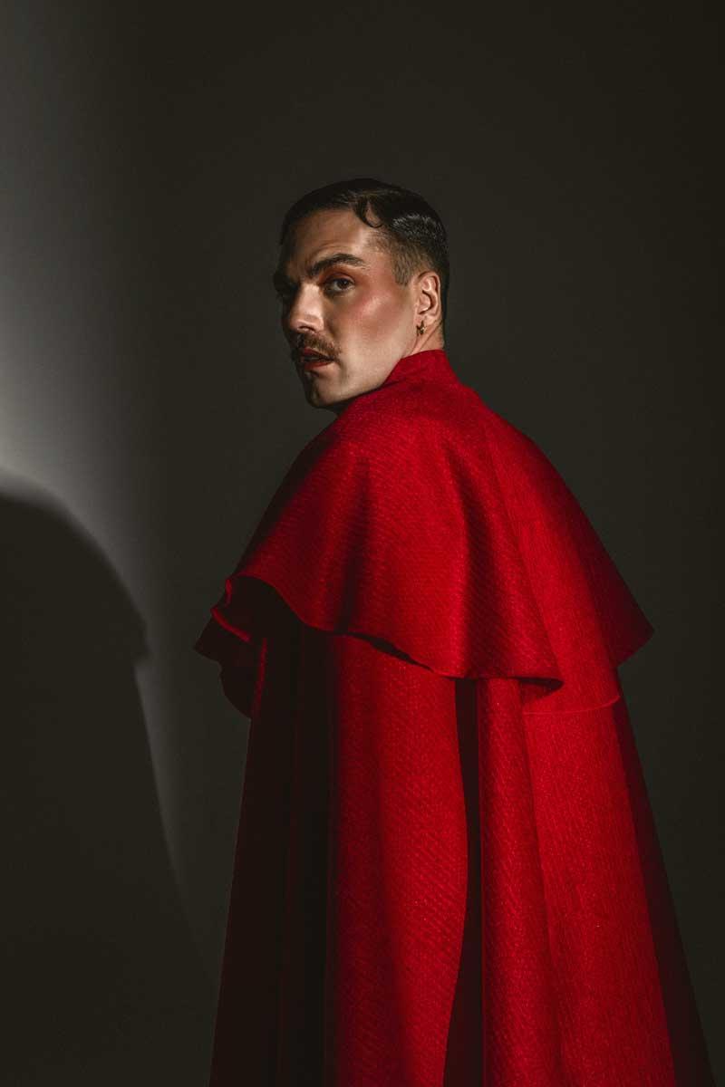 Alberto Jimenez de Miss Caffeina más rojo que nunca
