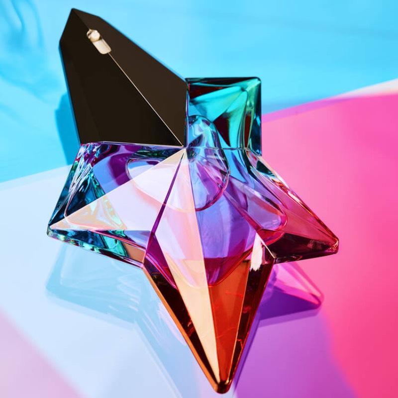 El nuevo perfume de Mugler: verano en un bloque de hielo