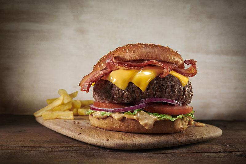 Foster's Hollywood y el Día Internacional de la Hamburguesa