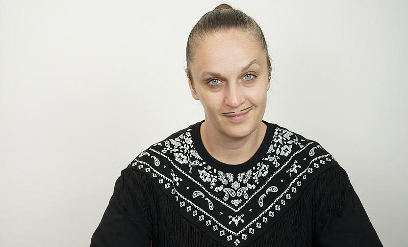 Kashink: cuatro ojos y un bigote