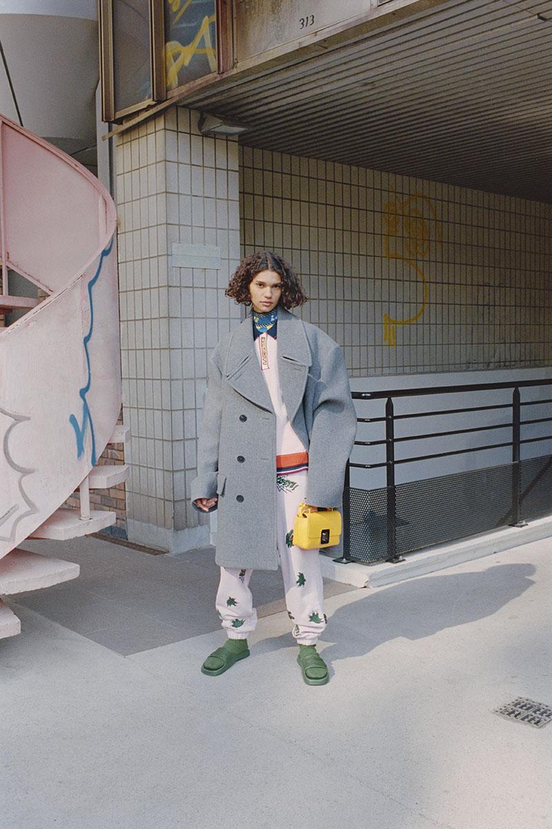 Lacoste afronta el presente con humor en su nueva colección