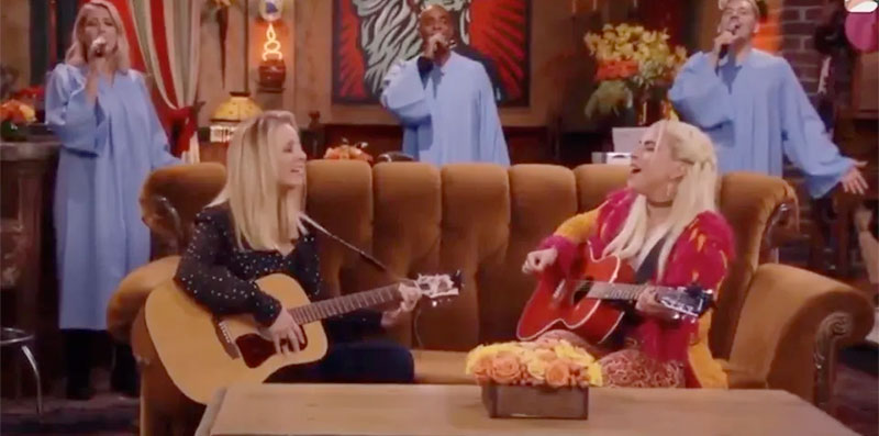 Lady Gaga con Desigual en Friends: The Reunion