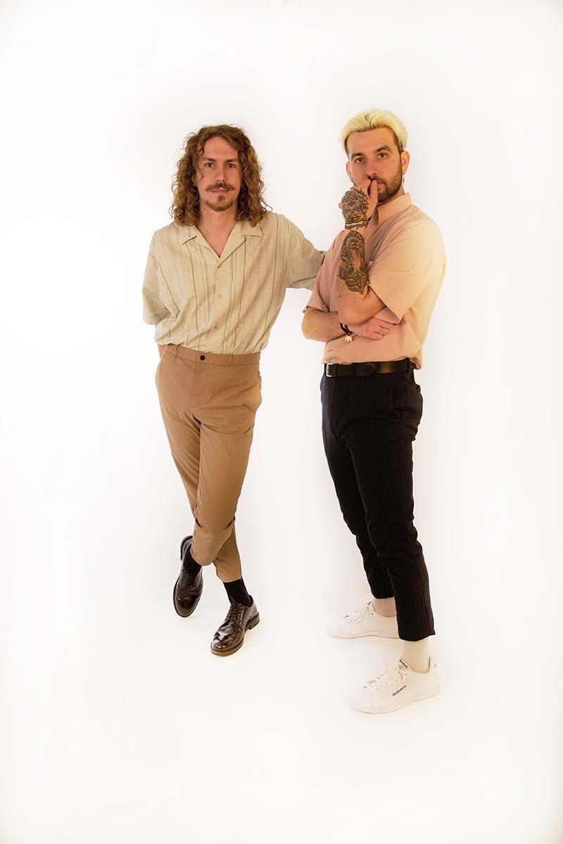 Sons of Med presentan su tema funk en castellano