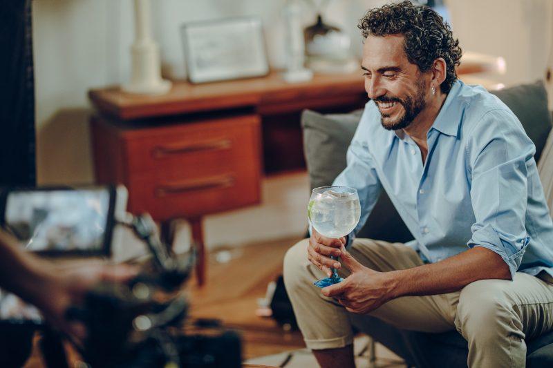 Bombay Sapphire impulsa la creatividad de Paco León
