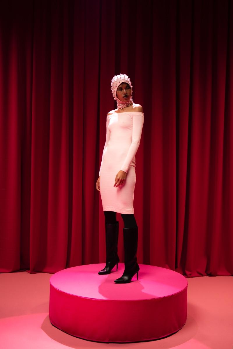 Christian Simmon presenta nueva colección y single Grace