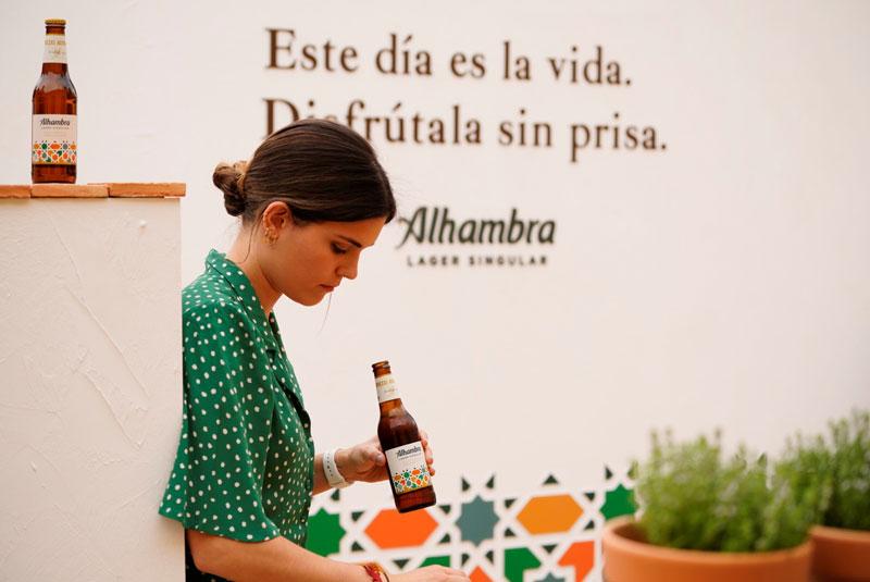 Cervezas Alhambra disfruta la vida sin prisa y con poesía