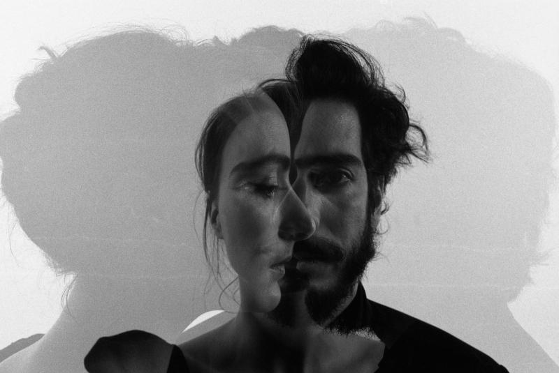Emilia y Pablo nos presentan en exclusiva su video Pájaro