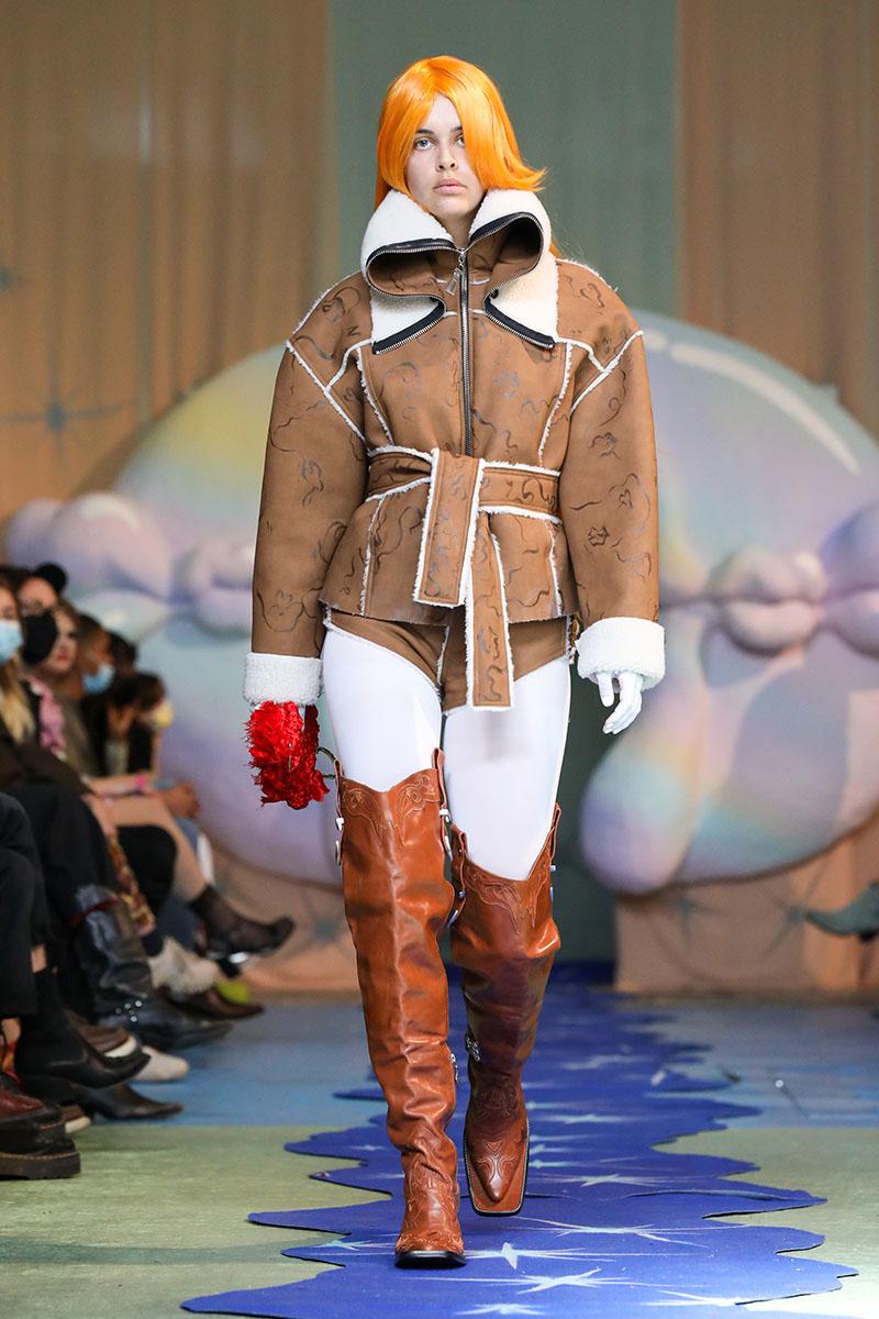 Neith Nyer Artisanal 2022 en Paris Fashion Week: Rôle