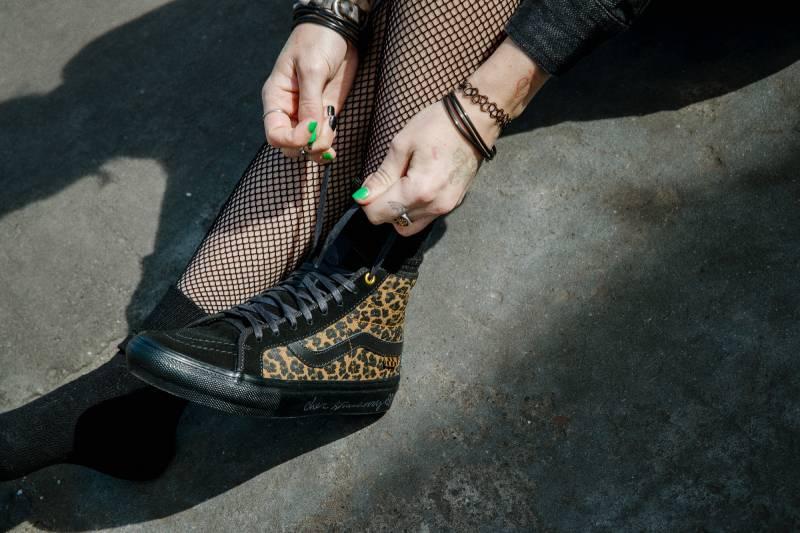 Vans x Cher Strauberry: Skate Classics con animal print