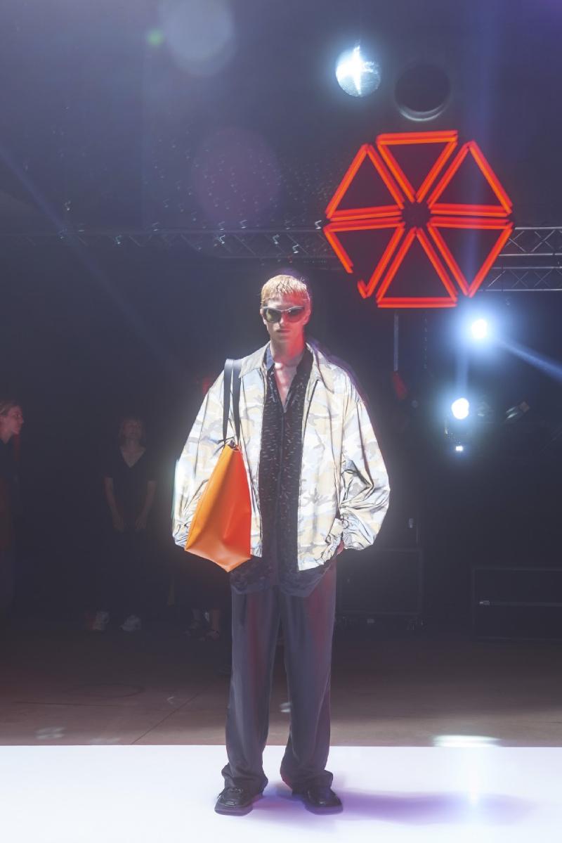 Dries Van Noten SS22 Men's en Paris Fashion Week