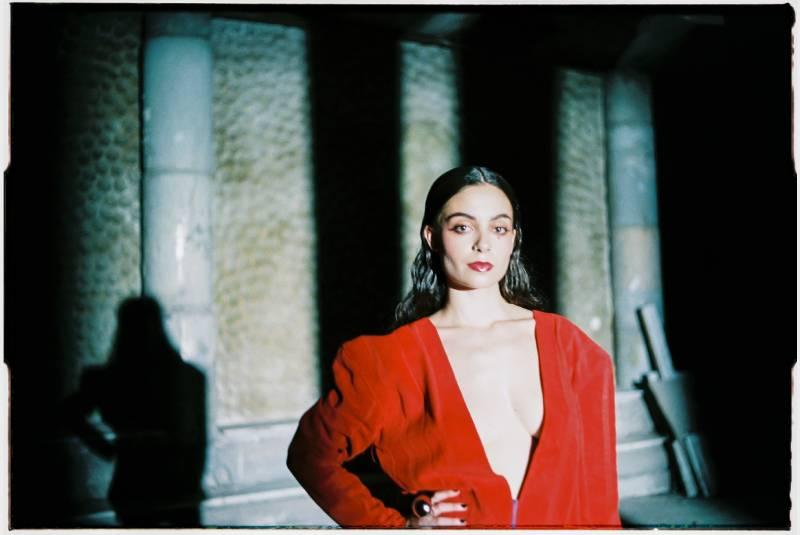 Sila Lua, la música gallega que triunfa en la serie Élite