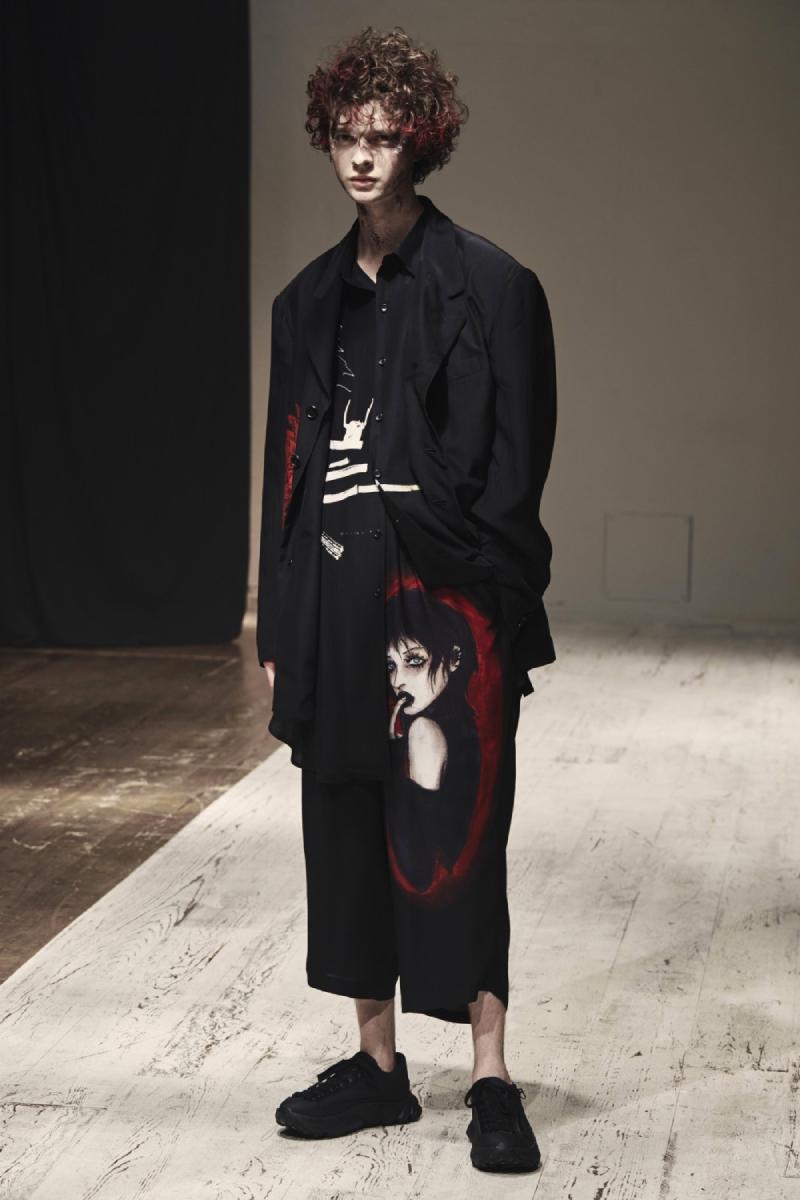 Yohji Yamamoto SS22 en Paris Fashion Week