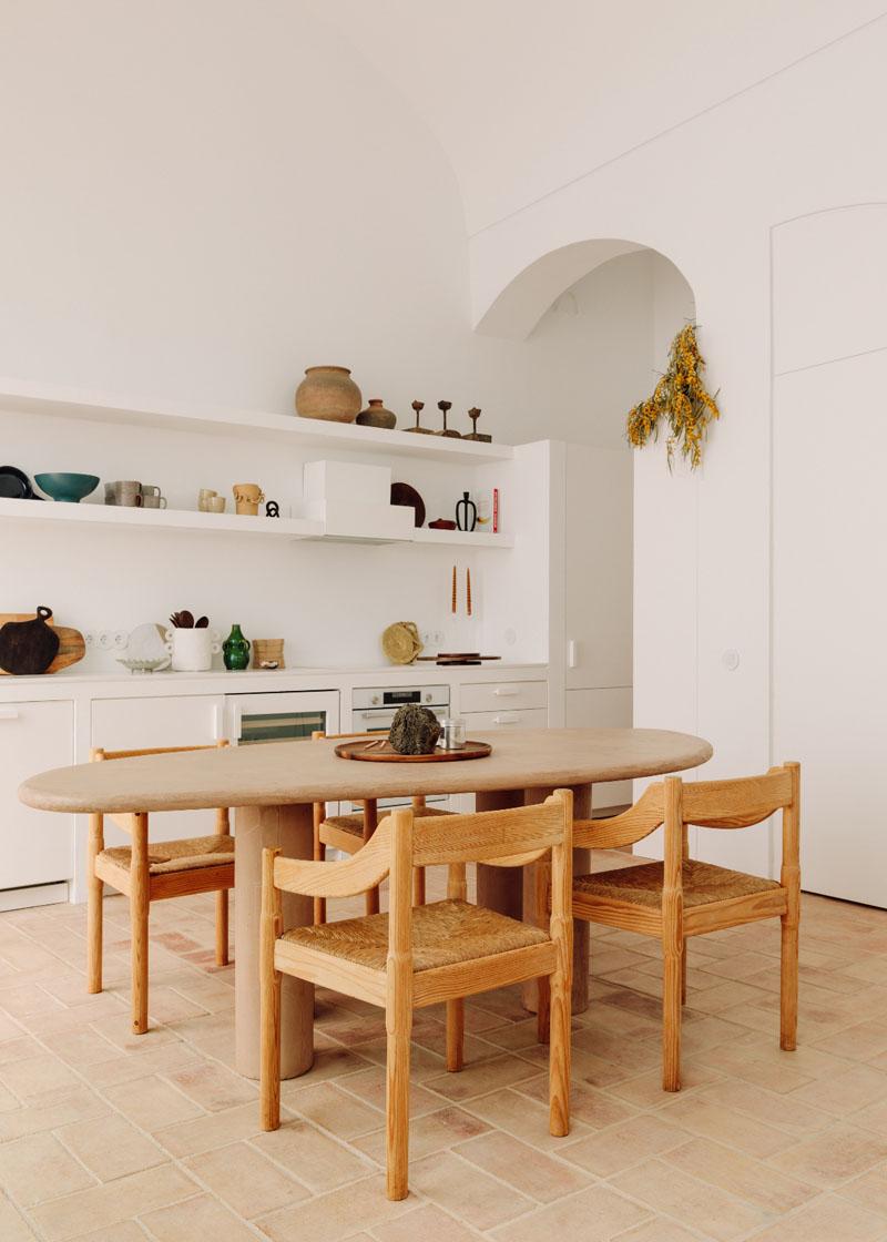 Casa en pueblo pesquero  por los arquitectos Atelier Rua