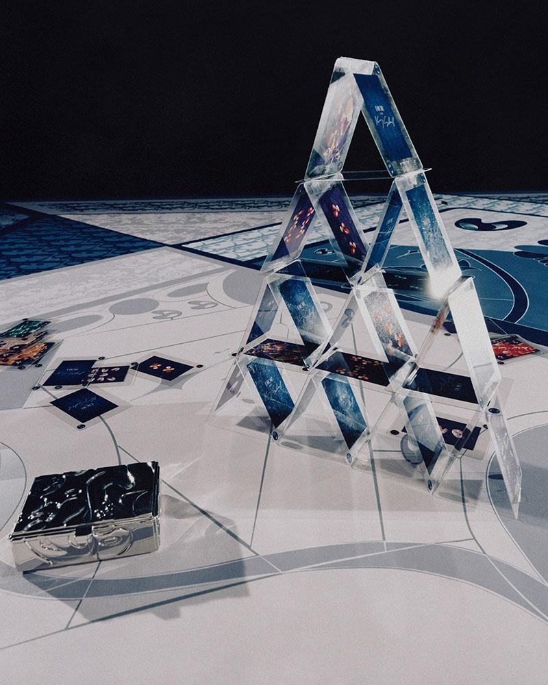 Dior, Kim Jones, Kenny Scharf, y el copón de la baraja