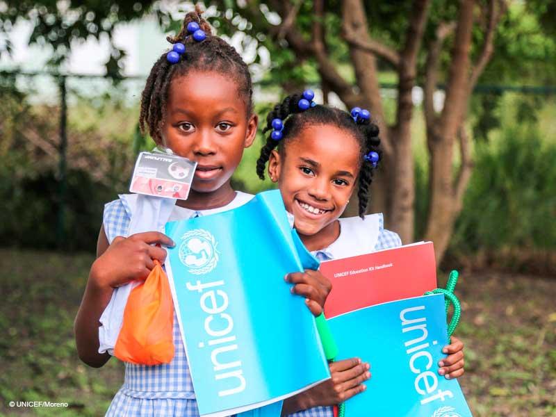 Llena cajas de vida con Regalo Azul de UNICEF