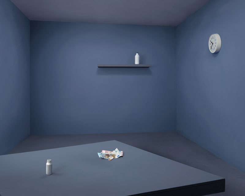 El Dormitorio Luminoso: Una Historia de Moda y Escenografía
