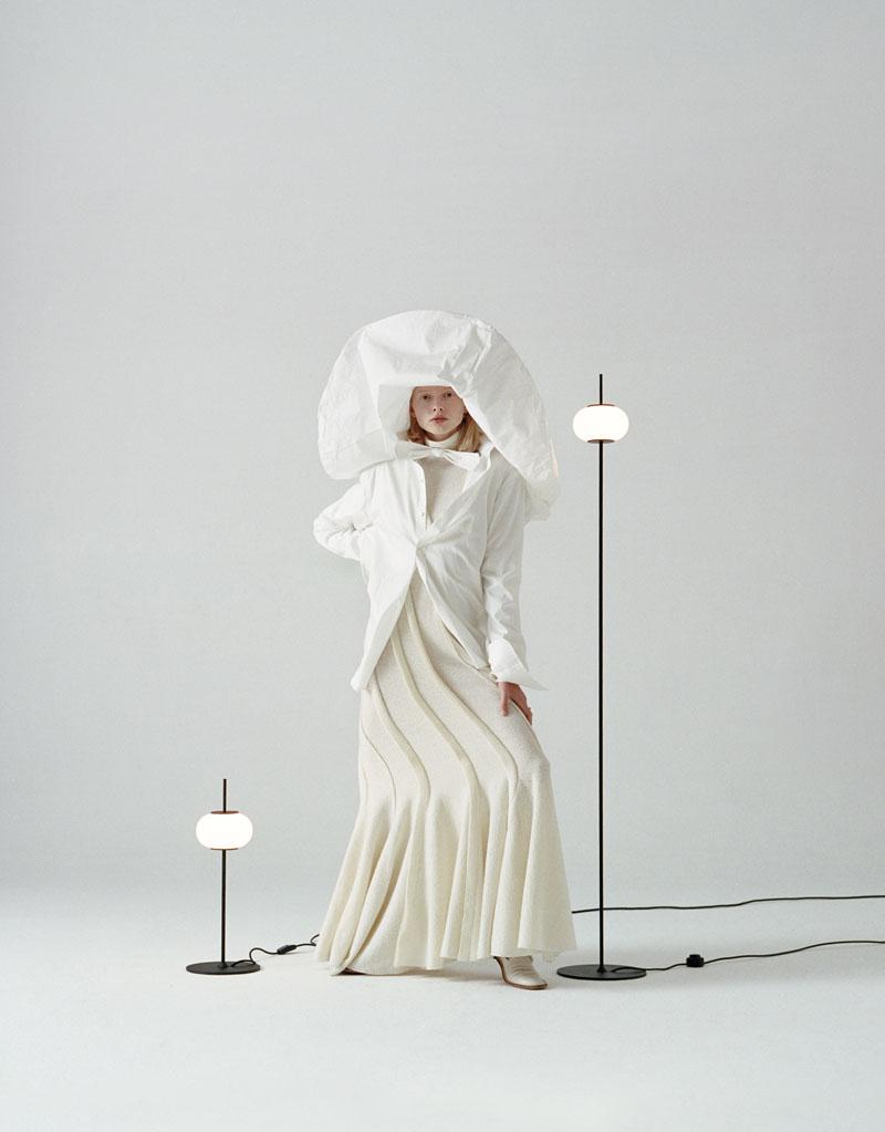 El editorial que mezcla la moda y el mundo del mobiliario