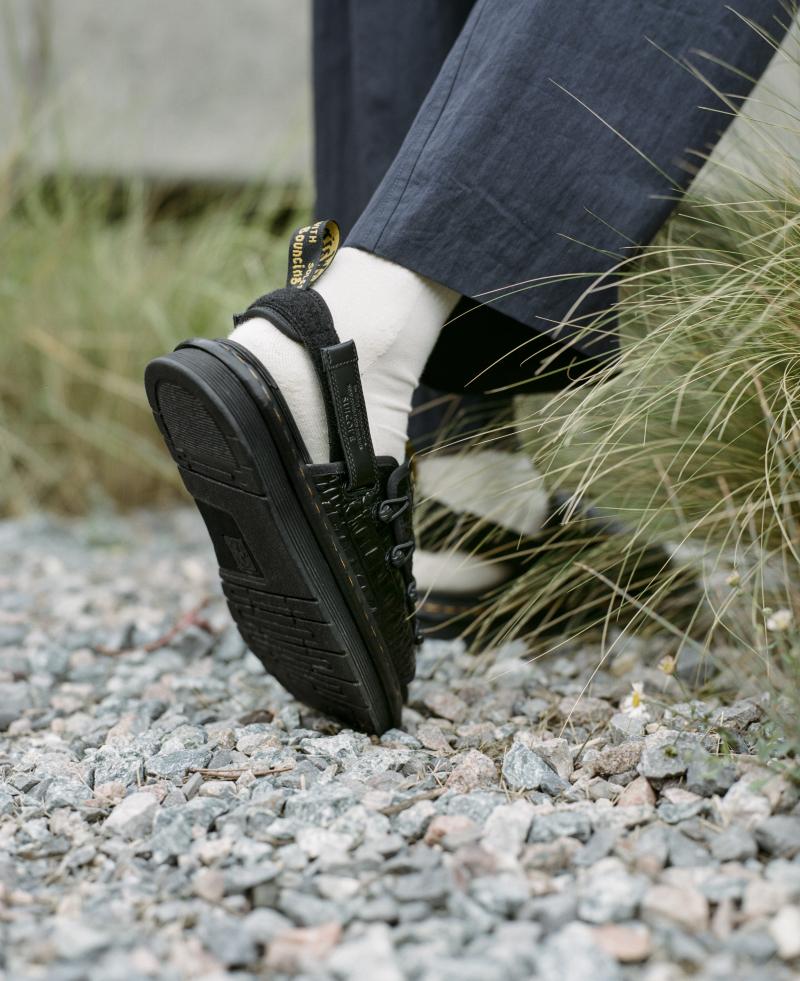 Dr. Martens x Suicoke, un nuevo ícono del calzado masculino