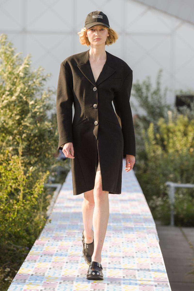 Ganni SS22 en Copenhagen Fashion Week: Higher Love
