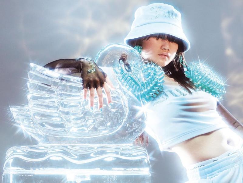 Vuelve el velour power con Juicy Couture AW21