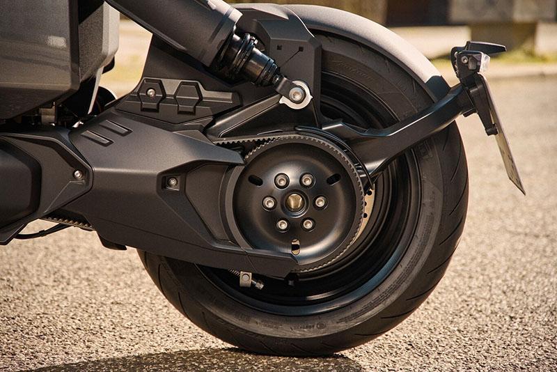 La futurista moto eléctrica BMW CE 04 hecha realidad