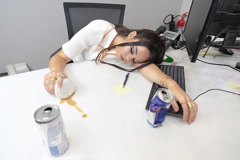 Lunch Breake, una historia de moda y escándalos de oficina