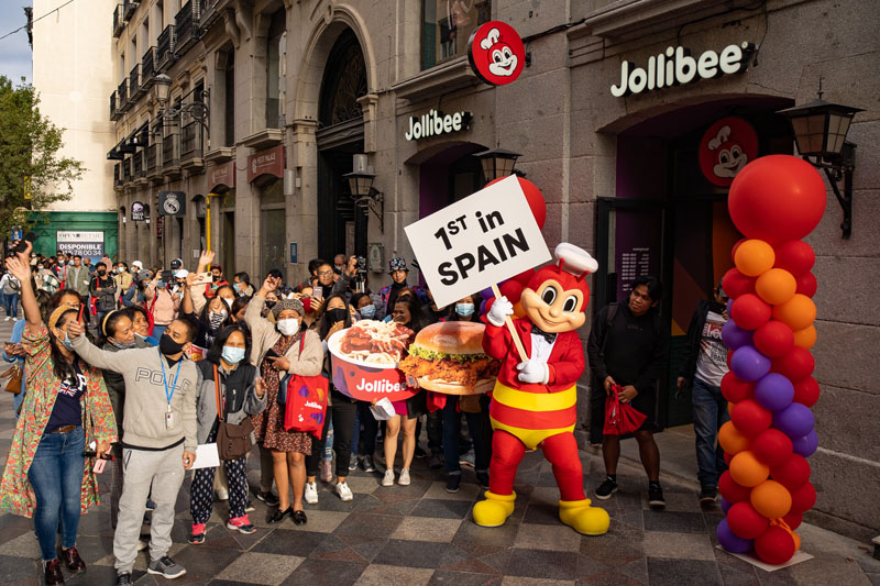 Jollibee, el rey filipino del pollo frito, llega a Madrid