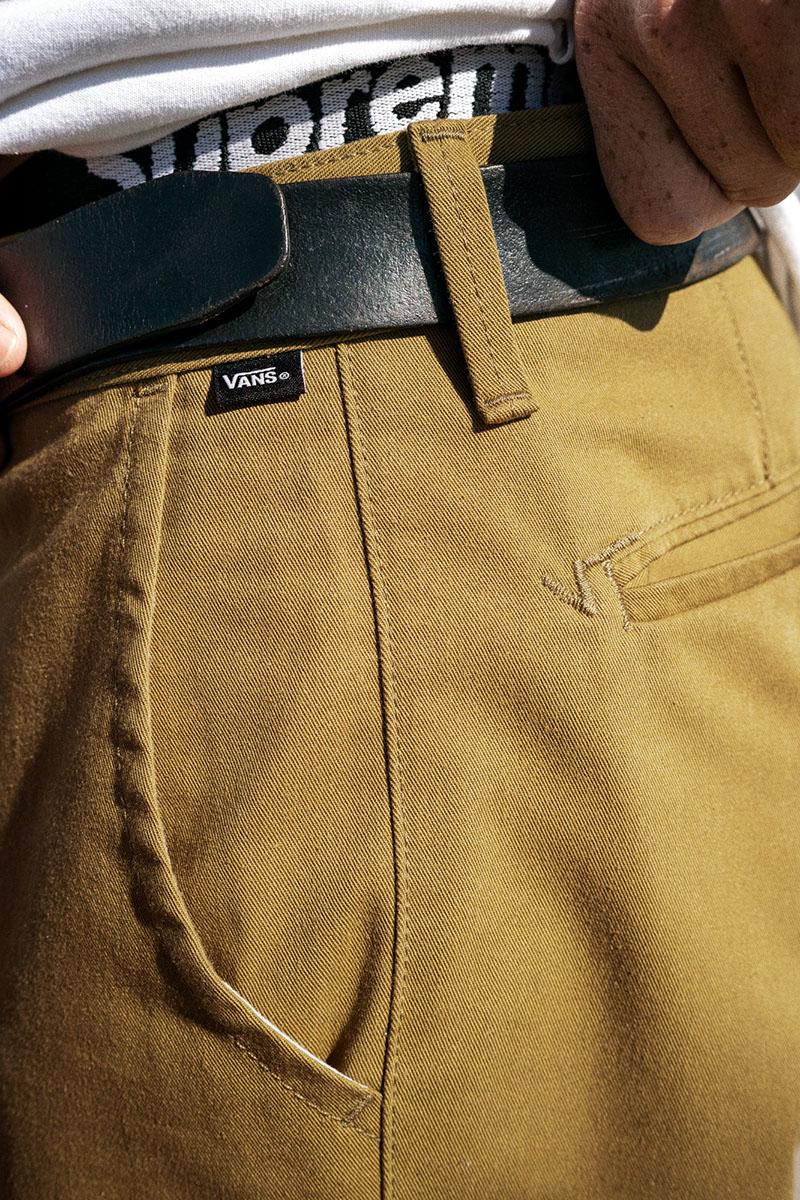 La reinvención del pantalón chino llega de la mano de Vans