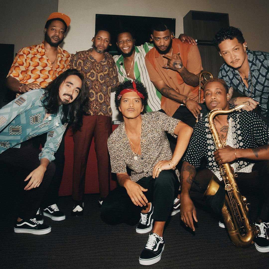 Bruno Mars anuncia próximo álbum como Silk Sonic