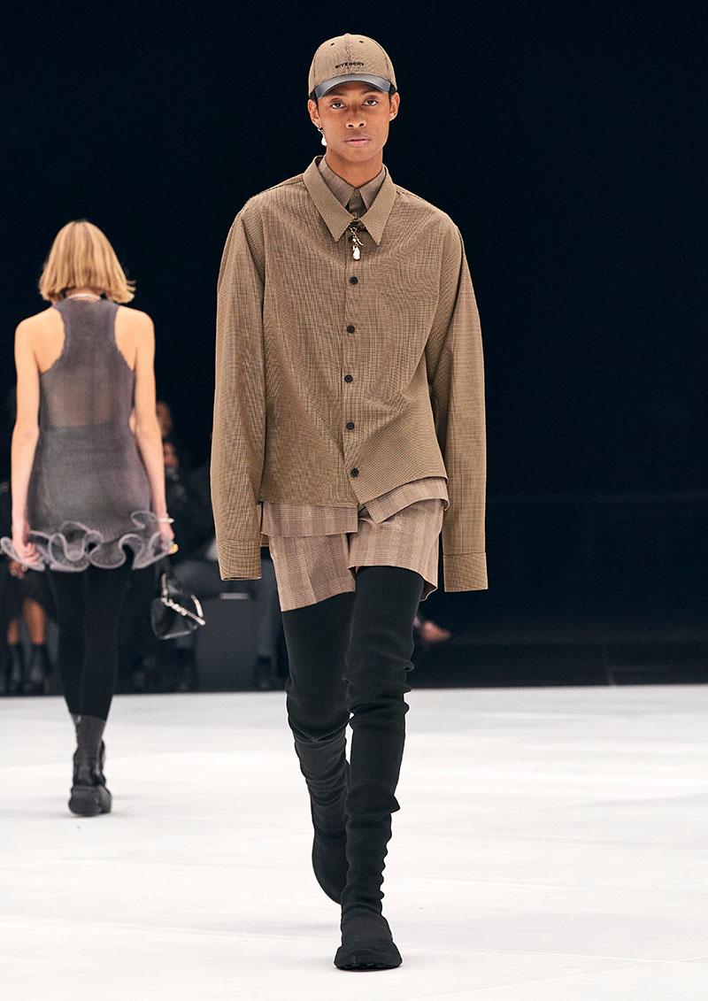 Givenchy SS22 en Paris Fashion Week