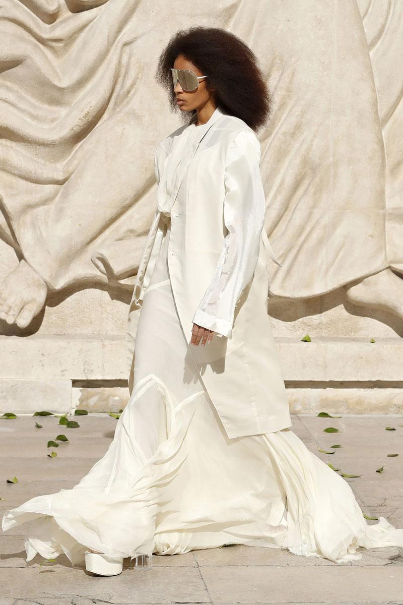 Rick Owens SS22 Womens en Paris Fashion Week: Fogachine