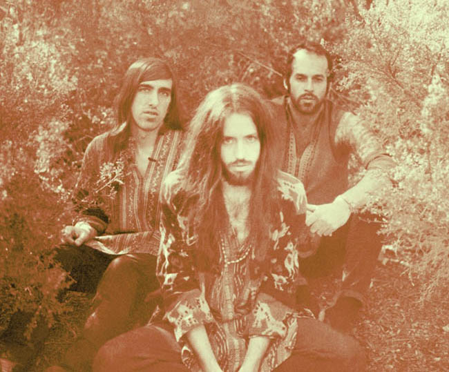 SOLD OUT DE CRYSTAL FIGHTERS