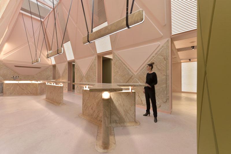 Didier Faustino entrevista mesas de mármol espacio futurista