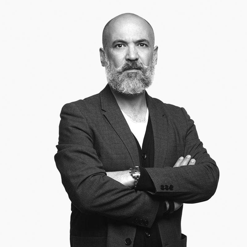 retrato de Didier Faustino en entrevista