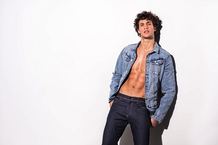 Francisco Henriques pone cuerpo a Kaporal Jeans