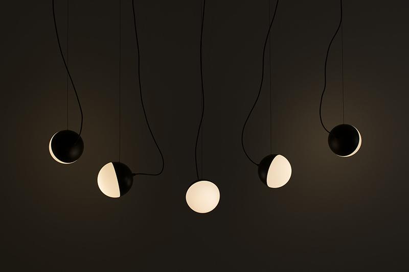 Half, la lámpara cósmica de Francesc Rifé