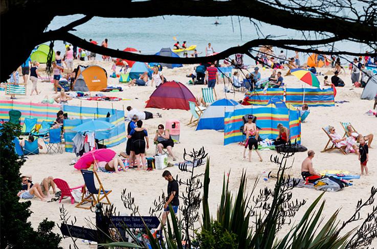 fotografía de escena en la playa a cargo del fotógrafo Martin Parr