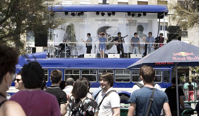 RED BULL TOUR BUS EN EL PRIMAVERA